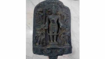 প্রত্নতত্ত্ব অধিদপ্তরে কষ্টিপাথরের ১১ মূর্তি দিল বিজিবি