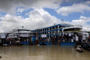 চাঁদপুর-নারায়ণগঞ্জ রুটে লঞ্চ চলাচল বন্ধ