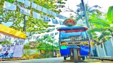মৌলভীবাজারে গান গেয়ে নির্বাচনী মাঠ গরম রাখছেন শিল্পীরা
