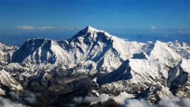 সর্বোচ্চ পর্বতশৃঙ্গ এভারেস্টের নতুন উচ্চতা কতো?