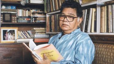 বাংলা সাহিত্যের 'নীললোহিত' সুনীলের জন্মদিন আজ