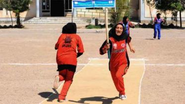 আফগানিস্তানে নারী ক্রিকেট নিষিদ্ধ করল তালেবান