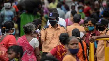 ভারতের জনসংখ্যার ৭০ শতাংশ মানুষই করোনা আক্রান্ত