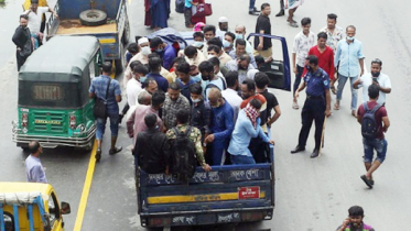 দীর্ঘ পথের ভোগান্তি নিয়ে ঢাকায় ফেরত এসেছেন শ্রমিকরা