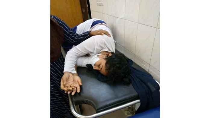মোটর সাইকেলের বেপরোয়া গতিতে আহত কুবি ছাত্রী