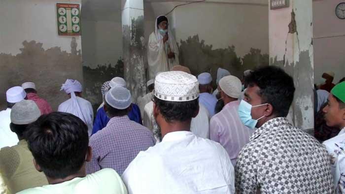 সোমালিয়ায় চাঁদ দেখার খবরে চাঁদপুরে ঈদ উদযাপন